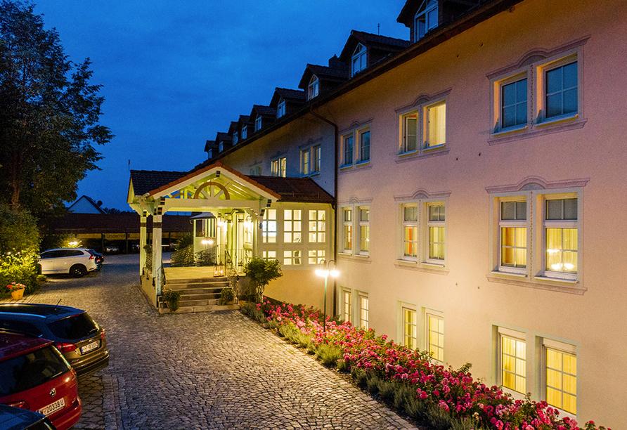 Hotel Linderhof in Erfurt, Außenansicht am Abend