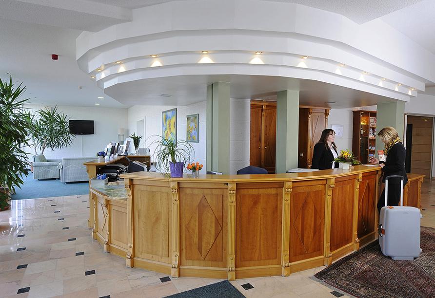 AXXON Hotel Brandenburg, Rezeption