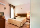 Mediterrane Vielfalt an Italiens Stiefelspitze, Hotel Santa Lucia, Beispiel Doppelzimmer