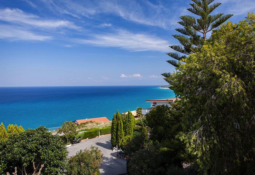 Mediterrane Vielfalt an Italiens Stiefelspitze, Hotel Santa Lucia, Aussicht
