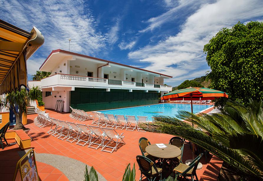 Mediterrane Vielfalt an Italiens Stiefelspitze, Hotel Santa Lucia, Außenbereich