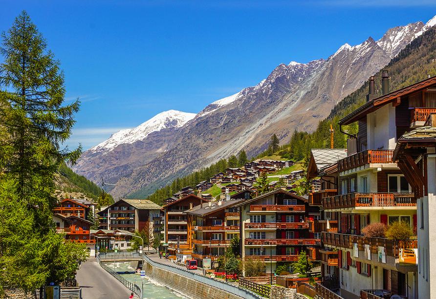 Besuchen Sie die bekannte Gemeinde Zermatt.