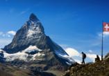 Bestaunen Sie das Matterhorn bei einer Wanderung.