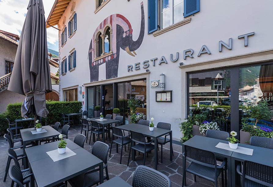 Hotel Elefant in Auer, Die gemütliche Terrasse