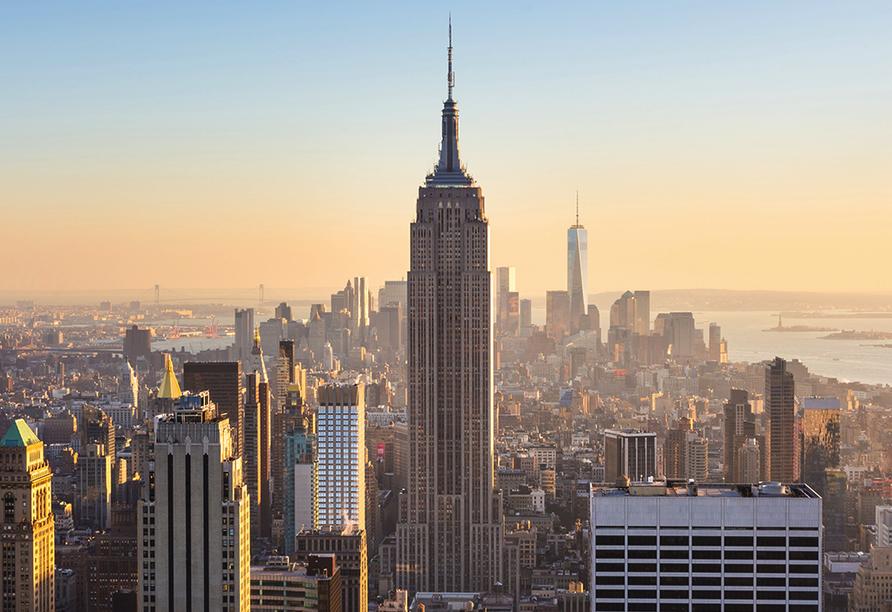 Mit etwa 6.000 Hochhäusern hält New York City den weltweiten Rekord an Gebäuden mit mehr als zwölf Stockwerken.