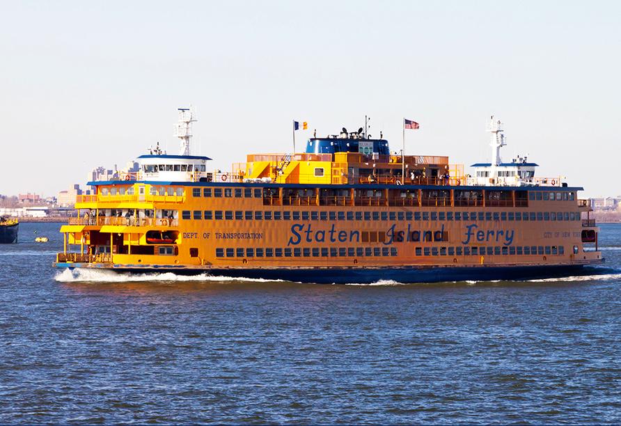 Unternehmen Sie eine Fahrt mit der Staten Island Ferry von Manhattan nach Staten Island – das Beste: die Überfahrt ist kostenlos!