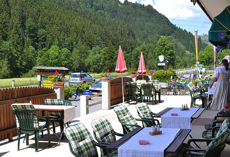 Hotel Aurach in Österreich Terrasse