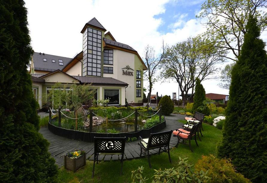 Idyllische Gartenanlage vom Hotel Max