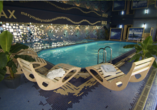 Hallenbad im Hotel Max