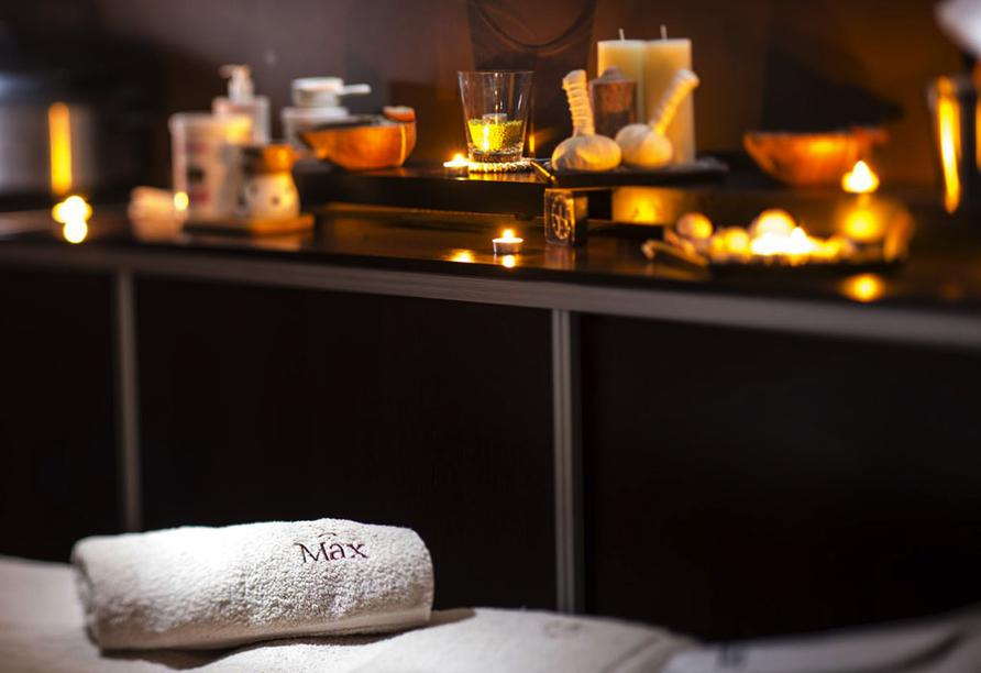 Entspannen Sie bei einer Wellnessanwendung im Hotel Max.