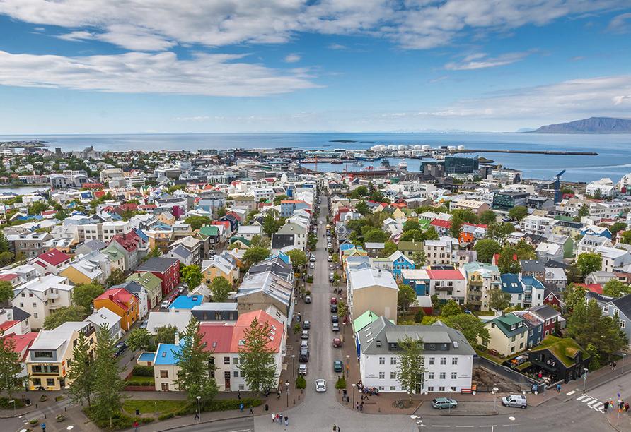 Stadtpanorama von Reykjavík - der nördlichsten Metropole der Welt.