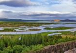 Der Thingvellir Nationalpark befindet sich in der Grabenbruchzone, die durch das Auseinanderdriften von zwei tektonischen Platten entstanden ist.