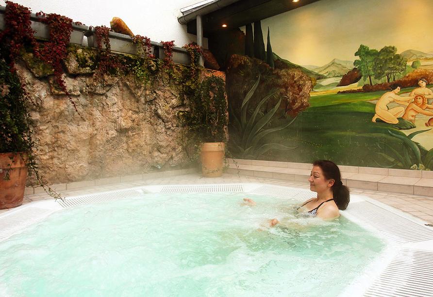 Dorint Seehotel & Resort Bitburg Südeifel, Außen-Hot-Whirlpool