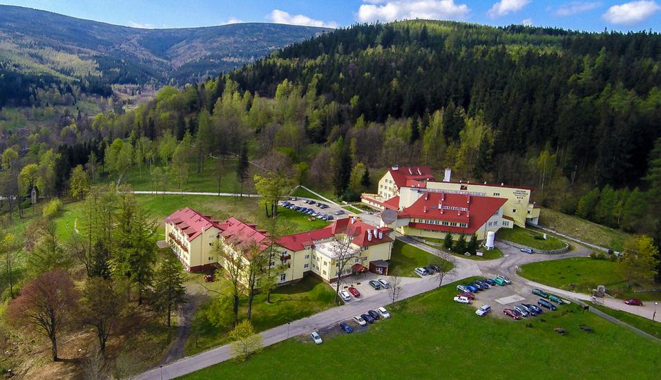 Hotel Klinika Mlodosci Medical SPA Bad Flinsberg Niederschlesien, Außenansicht