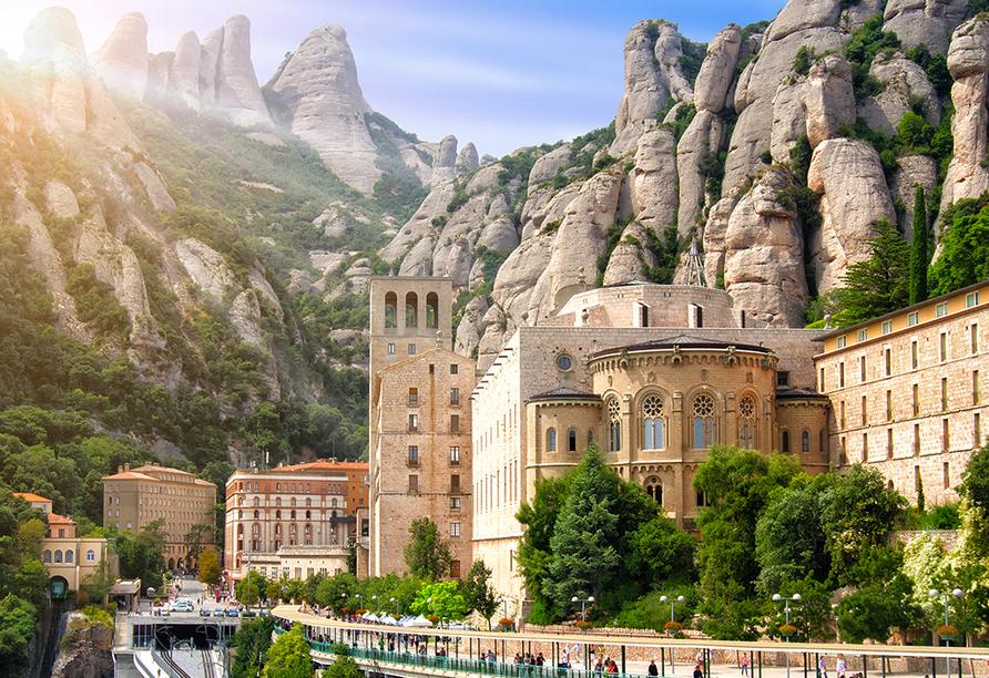 Mit der Zahnradbahn von Monistrol fahren Sie zum Kloster Montserrat.