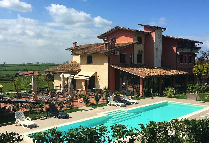 Hotel Il Castello in Pozzolengo, Außenansicht