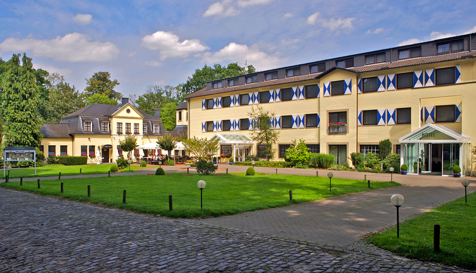 Parkhotel Hohenfeld, Außenansicht