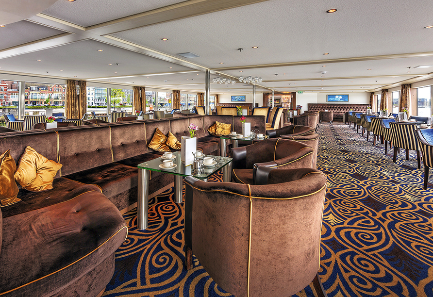 MS Amelia, Lounge