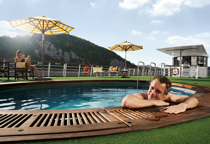 A-ROSA, Pool
