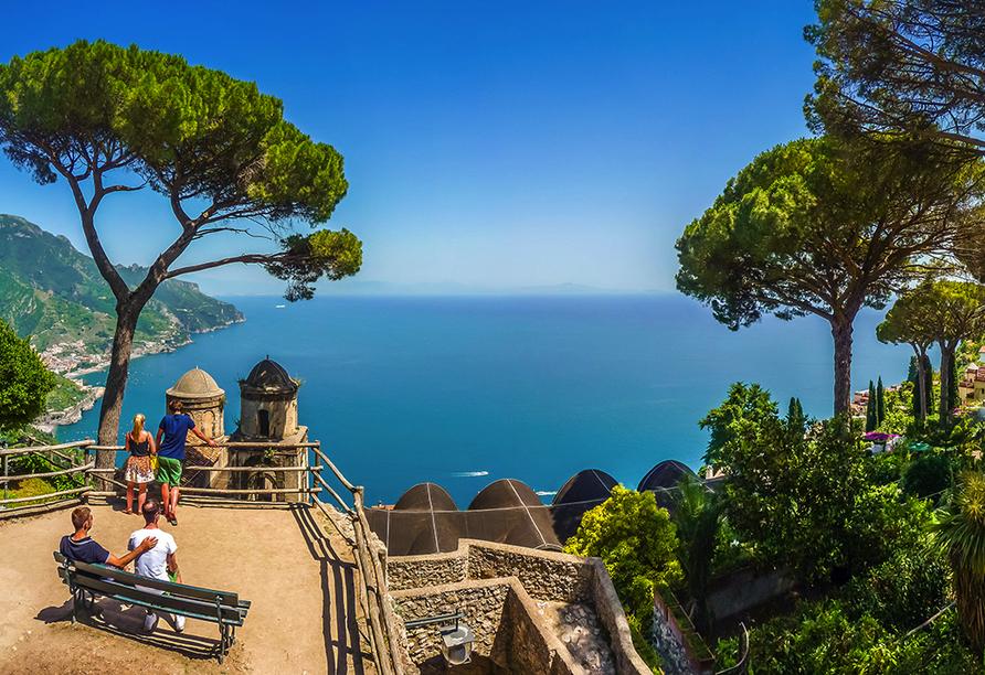 Besuchen Sie die malerisch gelegene Villa Rufolo.