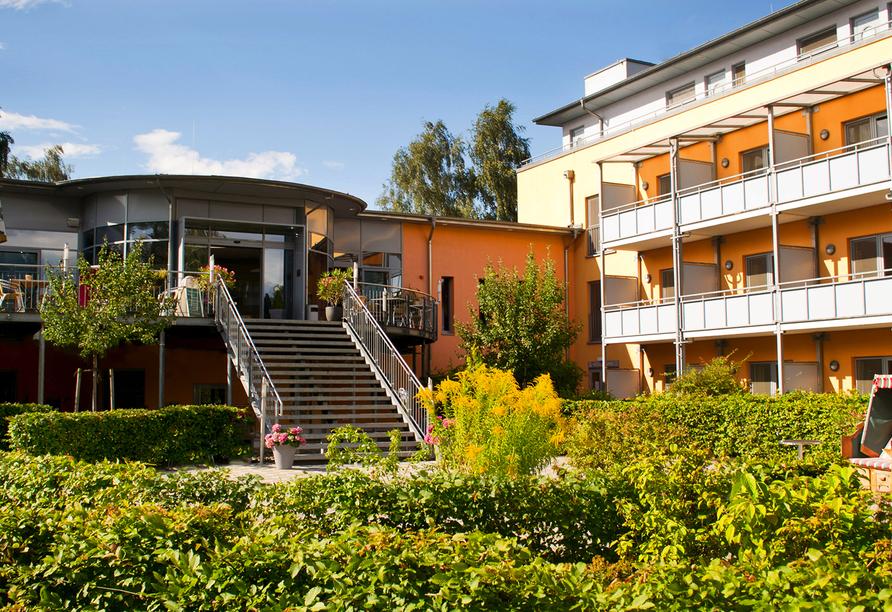 Müritz Strandhotel in Röbel, Außenansicht vom Hotel