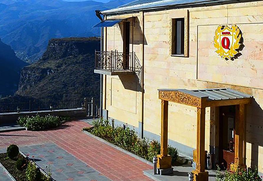 Geheimnisvoller Kaukasus, Qefilyan Hotel in Haghpat