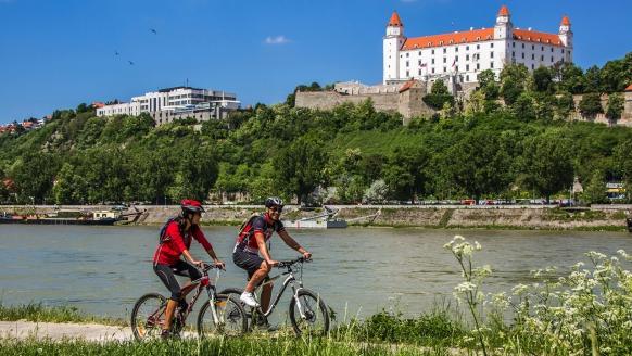 MS Carissima, Rad fahren in Bratislava