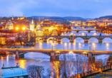Wellness Extol Inn Hotel in Prag in Tschechien, Prag am Abend