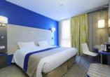 Rundreise Normandie & Bretagne, Zimmerbeispiel des Beispielhotels Kyriad Prestige Saint Malo