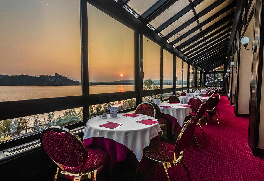 Hotel Concorde in Arona Lago Maggiore Italien, Restaurant Sonnenuntergang