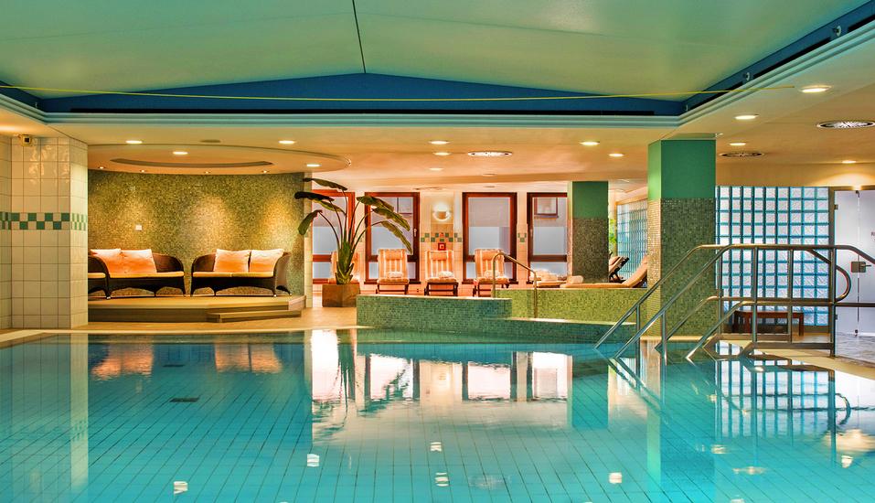 Hilton Hotel Dresden, Hallenbad