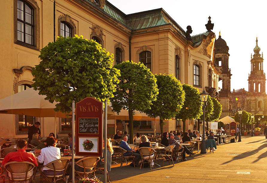 Hilton Hotel Dresden, Café Vis-à-vis