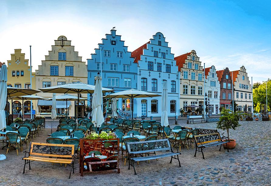 Hotel Hoffmanns Holsteinisches Haus in Friedrichstadt, Marktplatz von Friedrichstadt