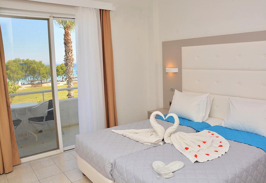 Hotel Costa Angela in Lambi, Beispiel Doppelzimmer mit Meerblick