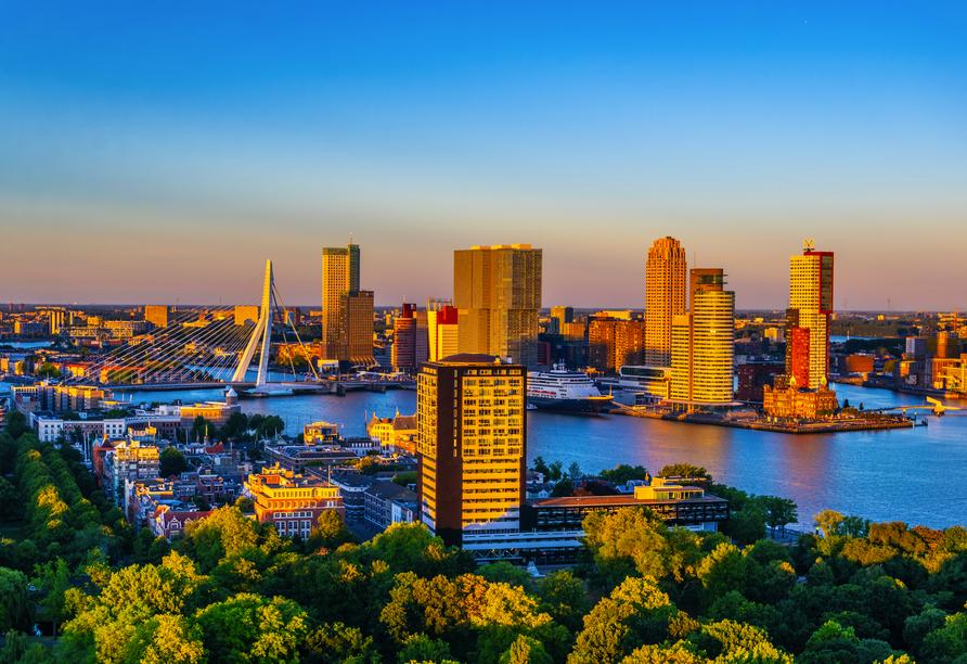 MS Artania, Rotterdam