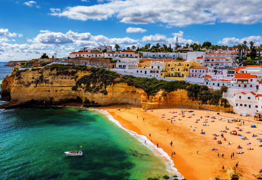 Freuen Sie sich auf Ihre verdiente Auszeit in Carvoeiro an der wunderschönen Algarve.