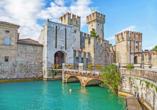 Parc Hotel Gritti, Bardolino, Gardasee, Italien, Castello Scaligero in Sirmione am Gardasee