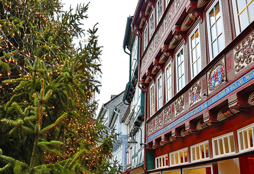 CAREA sunotel Kreuzeck in Goslar-Hahnenklee, Weihnachtswald und Fachwerkhaus