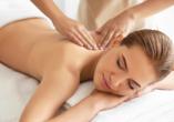 Gönnen Sie sich eine wohltuende Massage.