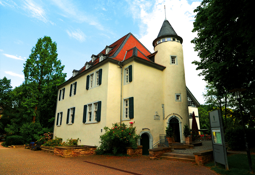 Außenansicht vom PRIMA Hotel Schloss Rockenhausen.