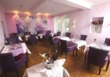 Genießen Sie herzhafte Gerichte im Restaurant vom PRIMA Hotel Schloss Rockenhausen.