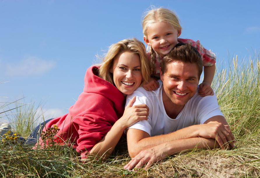 Marena Wellness Spa Resort Miedzywodzie, Familie am Strand