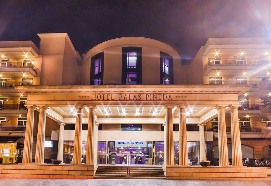 Willkommen zu Ihrer Auszeit im Hotel Palas Pineda!