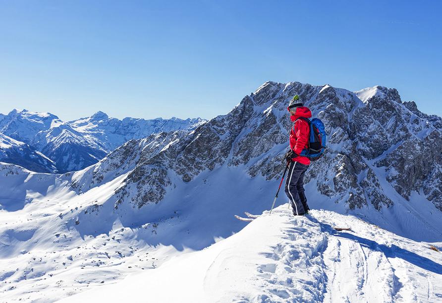 Hotel Bellevue in Seelisberg, Vierwaldstättersee, Schweiz, Skifahrer