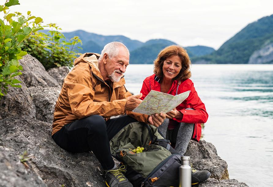 Wanderreise Starnberger See und Garmisch, Paar am See