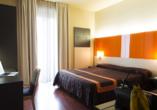 Hotel Primavera & Meeting in Stresa, Lago Maggiore, Italien, Beispielzimmer Hotel Meeting
