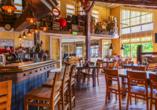 Im Restaurant des Roompot Vakanties Ferienpark Boomhiemke genießen Sie leckere Speisen.