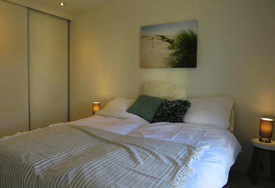 Beispiel eines Schlafzimmers im Roompot Vakanties Ferienpark Boomhiemke.