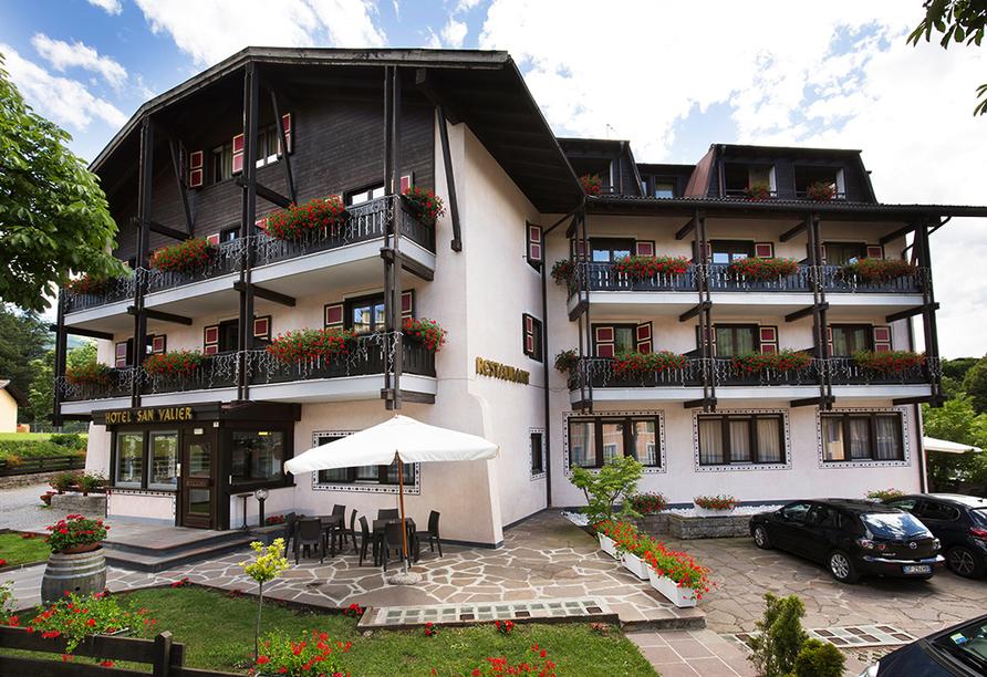 Hotel San Valier in Cavalese, Trentino Südtirol, Außenansicht