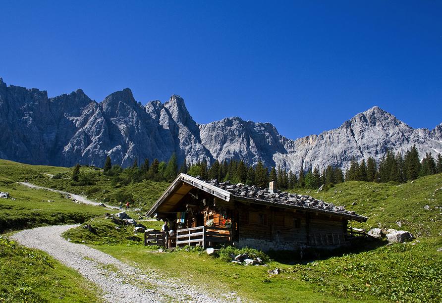 Hotel San Valier in Cavalese, Trentino Südtirol, Berglandschaft